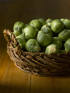 Raw Brussels sprouts in basket - KSW00333