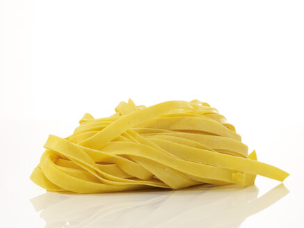 Uncooked pasta, close-up - AKF00095