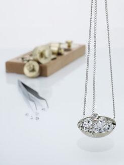 Diamonds on carat scale - AKF00035