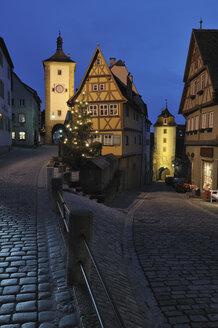 Germany, Rothenburg ob der Tauber, Sieber Tower, Ploenlein - RUE00111