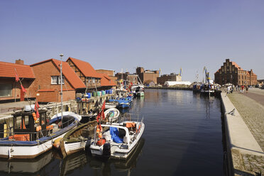 Germany, Mecklenburg-Vorpommern, Wismar, Old harbour - WW00510