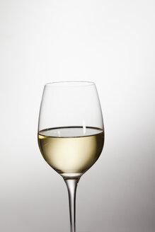 Glass of white wine, close-up - JRF00094