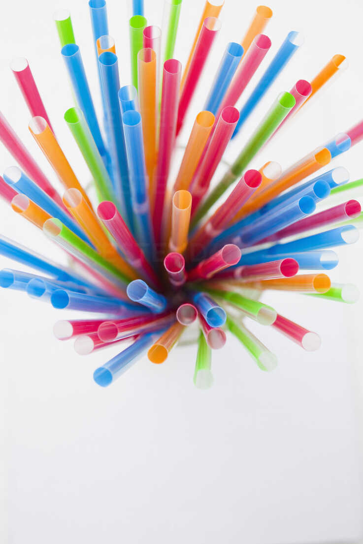 Multi coloured straws, elevated view - JRF00091 - Julian Rupp/Westend61