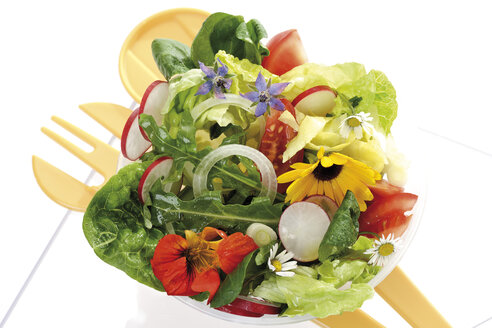 Mixed salad with edible flowers, elevated view - 10355CS-U