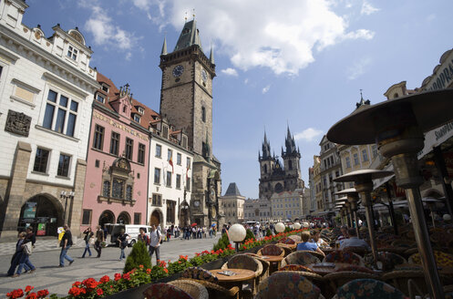 Czech Republic, Prague, Town Hall, sidewalk cafes, Church of Our Lady before Tyn in background - PSF00056