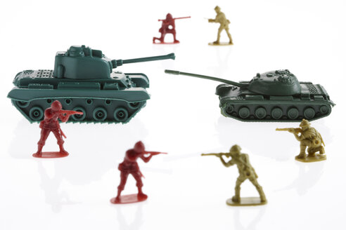 Toy army soldier and toy army tank - THF01047