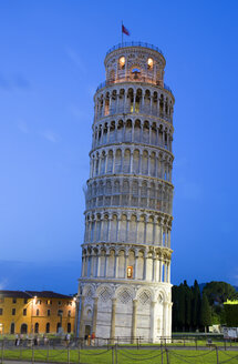 Italy, Tuscany, Pisa, Piazza dei Miracoli, Square of Miracles, Leaning Tower at twilight - PSF00264
