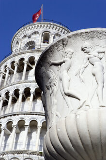 Italy, Tuscany, Pisa, Leaning Tower, Statue in foreground - PSF00261