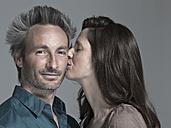 Couple, Woman kissing man - WEST12321
