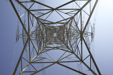 Germany, Hamburg, Power pylon, low angle view - TLF00311