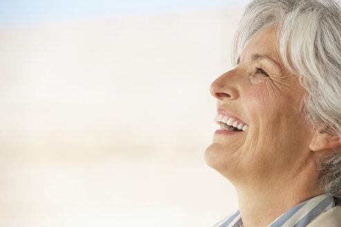 Senior woman, portrait, side view - WESTF12826