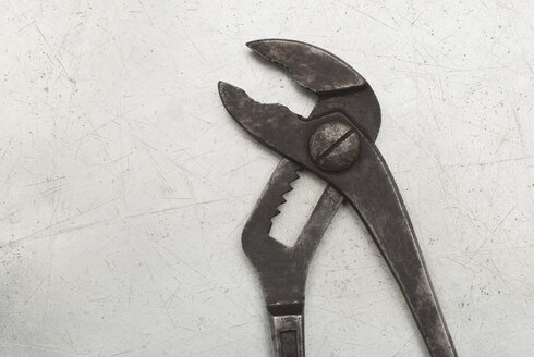 Pliers, elevated view - KJF00070