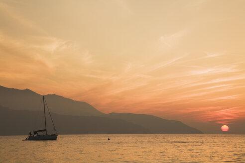 Italy, Tuscany, Elba Island at sunset - GWF01061