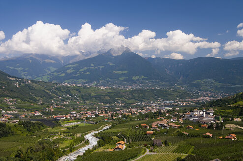 Italy, South Tyrol, View over Meran, elevated view - SMF00526