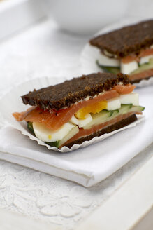 Salmon sandwich with egg and cucumber - SCF00420