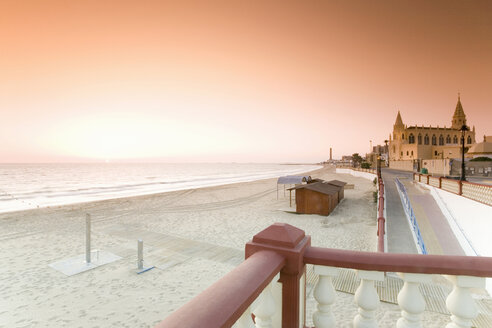 Spain, Costa de la Luz, Chipiona at sunset - MSF02285