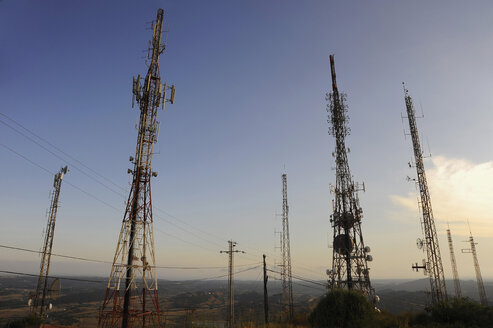 View of communication towers. - GNF01177
