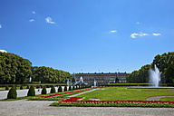 Germany, Bavaria, Herrenchiemsee Castle, Parkway with fountain - FO02035