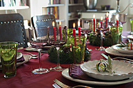 Place setting on dining table - NHF01208