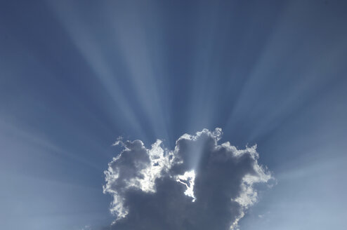 Sunbeams shining through clouds. - CRF01851