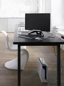 Germany, Neulautern, Workstation with computer on table - HOEF00283