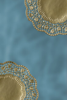 Two gold paper mats, close up - TLF00412