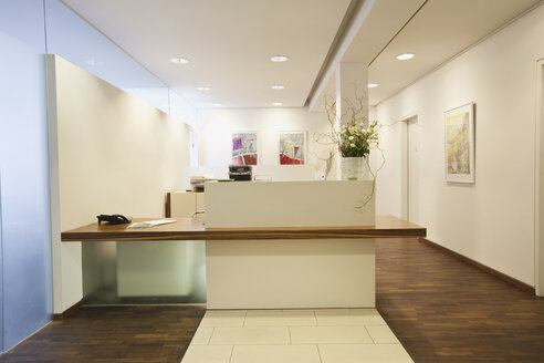 Germany, Munich, Hospital reception - WESTF14876