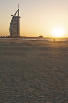 United Arab Emirates, Burj al Arab at sunset - LFF000214