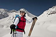 Austria, Salzburg, Altenmarkt-Zauchensee, Austrian woman skiing - HHF003359