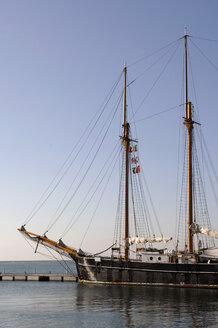 Italy, Sardinia, Cagliari, Sailing ship at harbour - LRF000523
