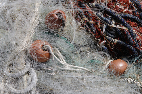 Italy, Sardinia, Cagliari, Close up of fishing net - LRF000508