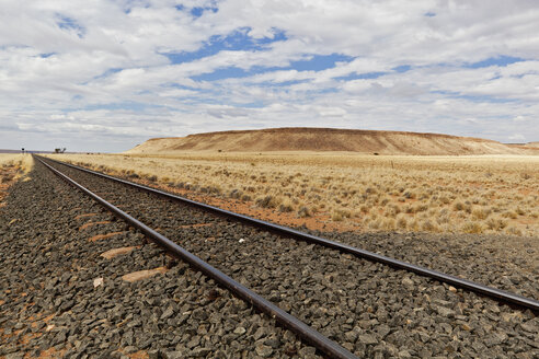 Africa, Namibia, Namib Desert, View of railroad through Namib Naukluft National Park - FOF002347