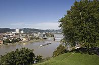 Austria, Upper Austria, Linz, View of town with danube river - WWF001609