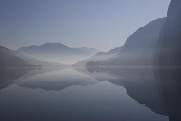 Austria, Mondsee, View of foggy morning near lake - WWF001673