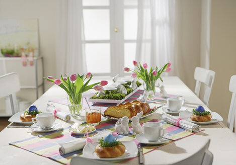 Dining table with easter breakfast setting - WBF000166
