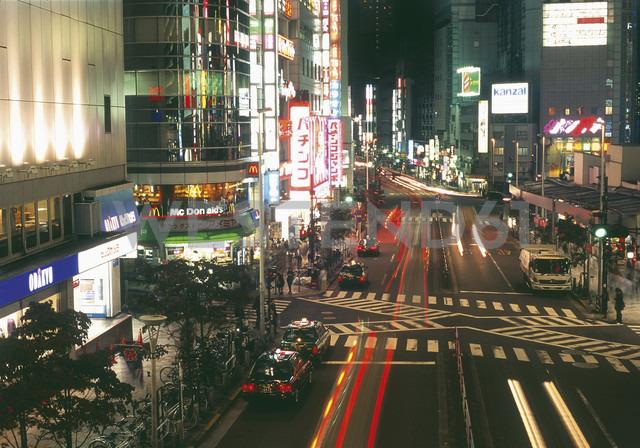 Japan, Tokio, Shinjuku, View of shopping street at night - WBF000221