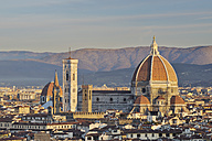 Italy, Tuscany, Florence, Palazzo Vecchio, View of Santa Maria del Fiore the dome of Florence at morning - RUEF000560