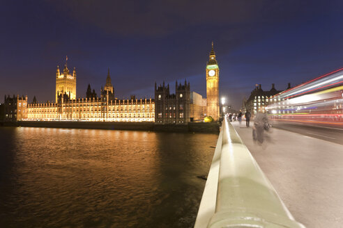 Great Britain, England, London, View of big ben and westminster bridge with thames river - WDF000831