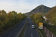 Europe, Germany, North Rhine-Westphalia, Middle Rhine, Bad Honnef, Siebengebirge, Drachenfels Castle, Cars passing through road number 42 - CS014346