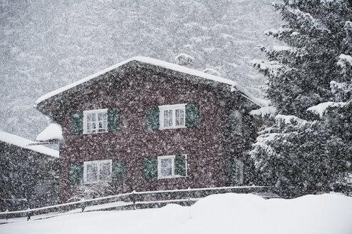 Austria, Kleinwalsertal, ski resort, mountain hut - MRF001233