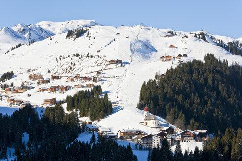 Austria, Vorarlberg, View of ski region - WDF000847