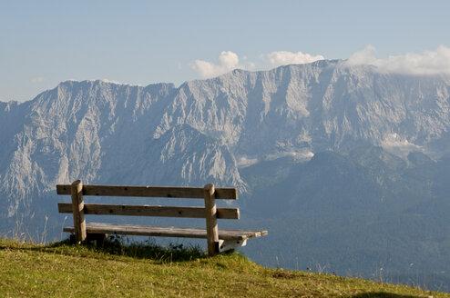 Germany, Bavaria, Garmisch-Partenkirchen, View from wank to wetterstein - UMF000349