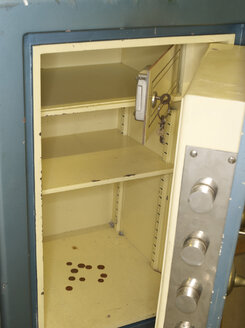 Coins in locker, close up - AKF000236