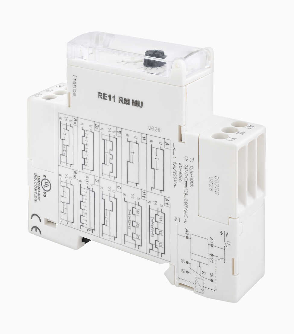 Relay circuitry against white background - WBF001141 - WB-Images/Westend61