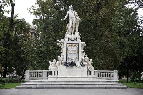 Austria, Vienna, Statue of Mozart in Burggarten - PSF000495