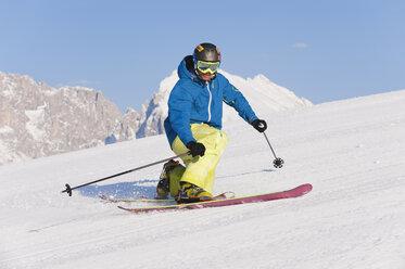 Italy, Trentino-Alto Adige, Alto Adige, Bolzano, Seiser Alm, Mid adult man on ski tour - MIRF000182