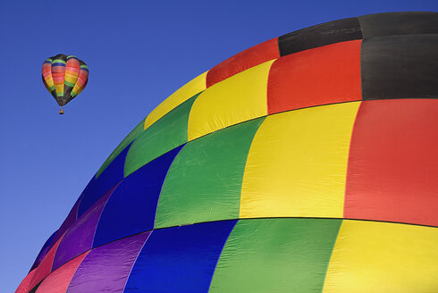 USA, New Mexico, Albuquerque, Air balloons at balloon fiesta - PSF000572