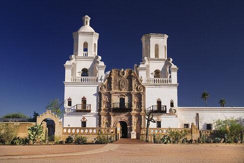 USA, Arizona, Tucson, View of Mission Church San Xavier del Bac - PSF000578
