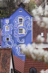 Germany, Bavaria, Franconia, Franconian Switzerland, Hollfeld, View of blue tower - SIE001421