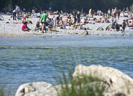 Germany, Bavaria, Munich, View of people at Isar riverbank - LF000272